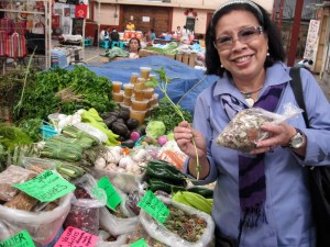 Shopping for medicinal herbs at the Mercado de Artisanías (Artisans' Market) in San Miguel